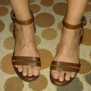 Frye ankle strap strappy sandals size 8.5